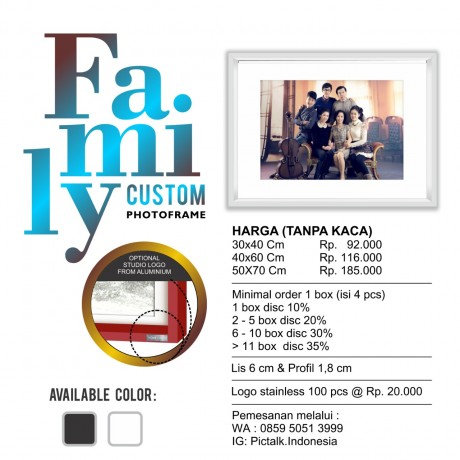 Family Custom Photo Frame 30 x 40 - 1 Box